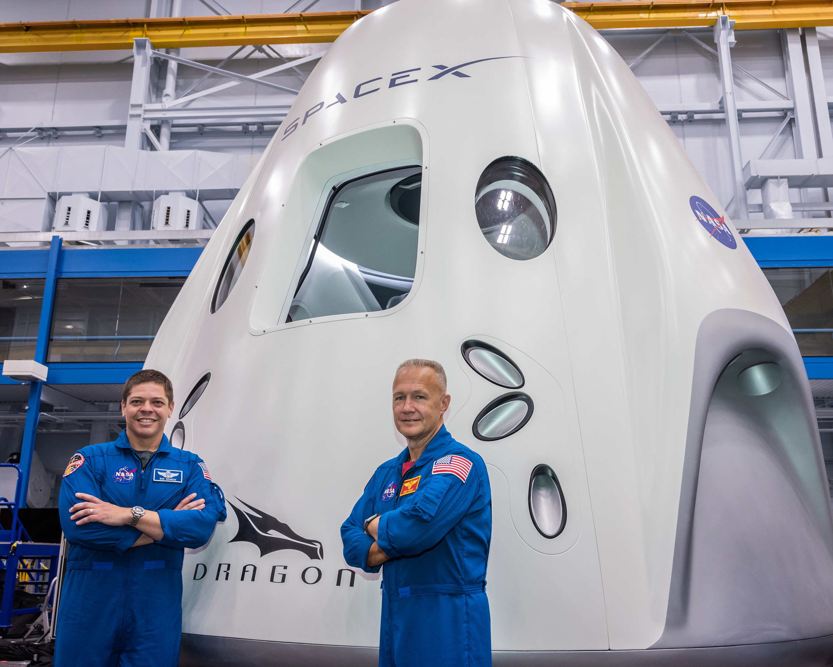 Dragon Shuttle with astronauts