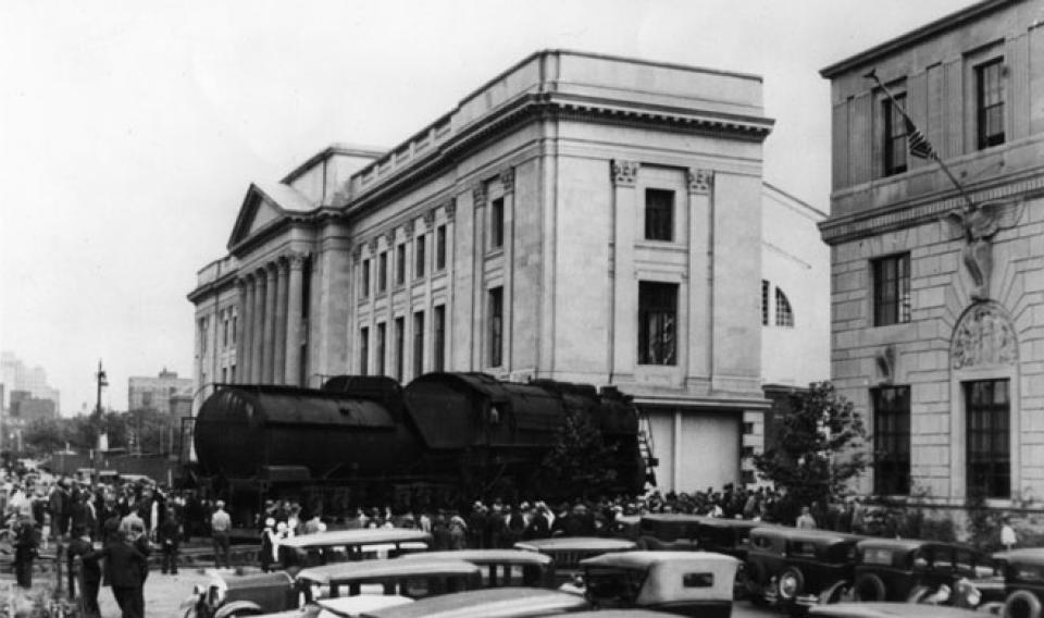 Baldwin Locomotive in front of The Franklin Institute