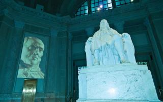 Benjamin Franklin multimedia show in the Franklin Memorial.